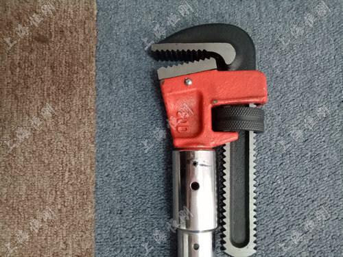 带检测的数显扭矩扳手     可换管钳头